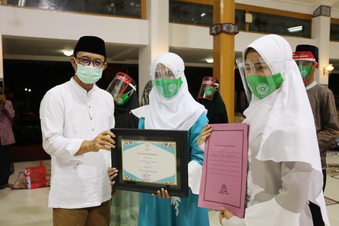 Siswa SMP Negeri 2 Ngawi Raih Juara 1 dan Juara Favorit Lomba Cover Sholawat Hari Santri Nasional